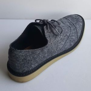 TOMS OXFORD SIZE 10.5